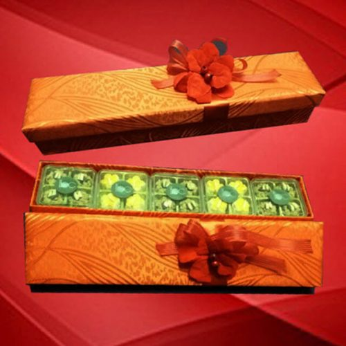 2020-chinese-new-year-hamper-lily-min